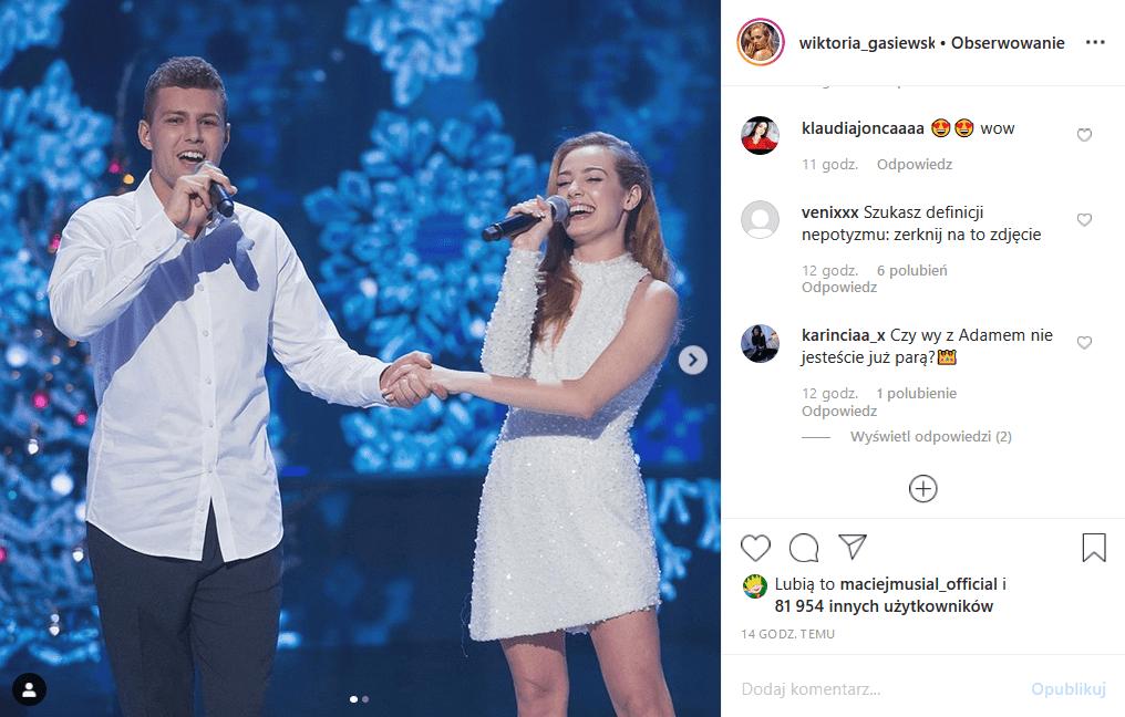 """Wiktoria Gąsiewska (""""Rodzinka pl"""") była w show """"Szansa na sukces"""" z facetem, ale to nie Adam Zdrójkowski, tylko brat Mateusz Gąsiewski. Insta odetchnęło."""