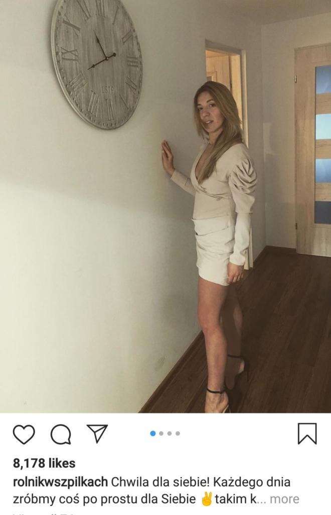 """Małgosia Borysewicz z programu TVP """"Rolnik szuka żony"""" umieściła na swoim koncie Instagram zdjęcie w spódniczce mini i zachwycła fanów"""