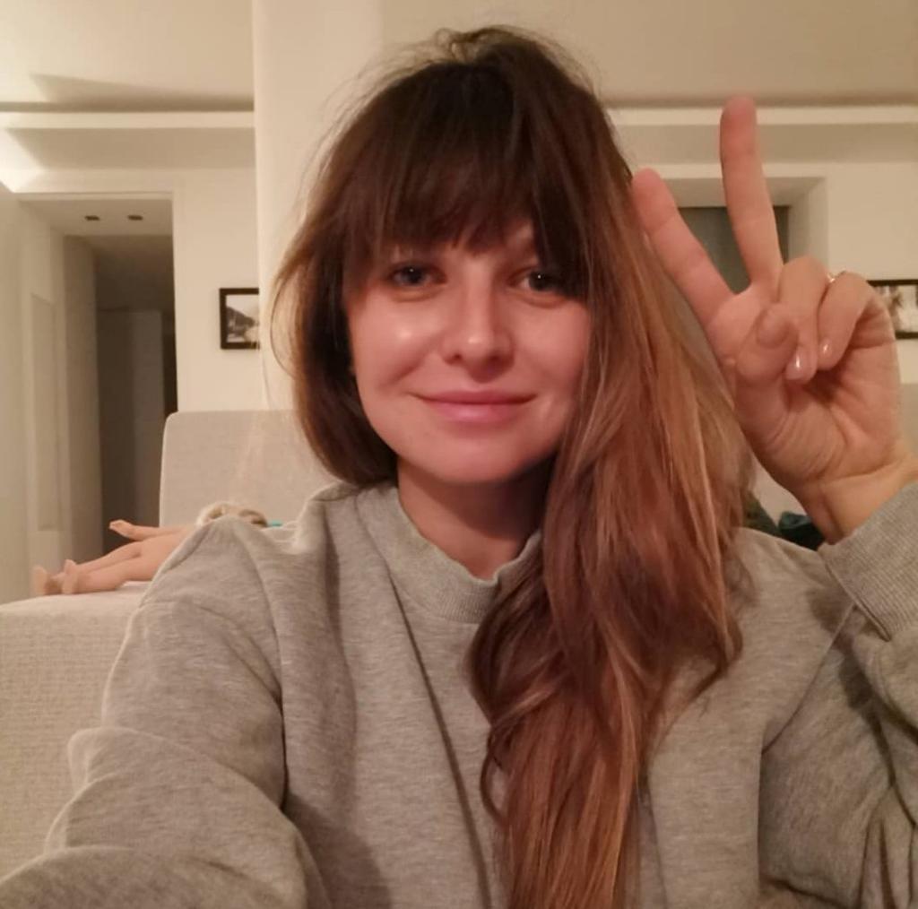 """""""Biologiczna bzdura roku"""" Lewandowska nominowana.Klarę zmorzyła choroba,tata Robert Lewandowski wspierał.Jak Klara była leczona Ania napisała na Instagram"""
