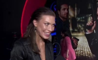 Bogusław Linda oraz jego córka byli na premierze filmu psy 3.Kim jest córka Lindy- Aleksandra Linda? Córka Bogusława Lindy jest modelką oraz aktorką