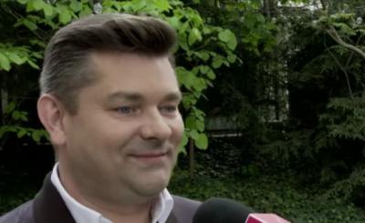Sylwester TVP Zenek Martyniuk zapamięta na długo. Wokalista zespołu Akcent grał pod Giewontem z niepodłączonym sprzętem ,prawdopodobnie z playbacku