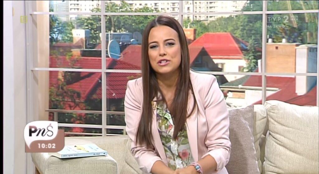 """Anna Mucha to przede wszystkim gwiazda TVP i serialu M jak Miłość. Aktorka niedawno wystąpiła także w filmie """"Kogel Mogel""""."""