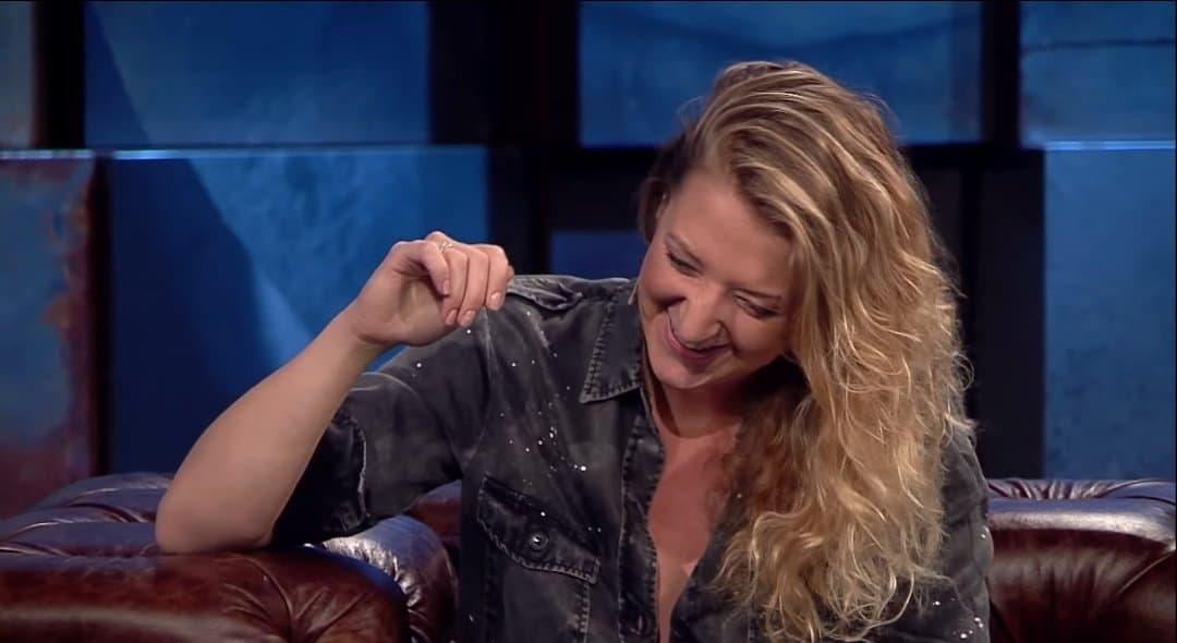Lara Gessler to przede wszystkim córka gwiazdy TVN i show Kuchenne Rewolucje, którą jest Magda Gessler. Z kolei jej bratem jest Tadeusz Müller...