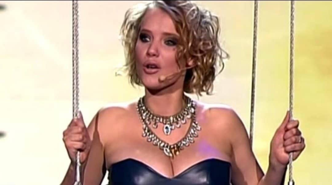 """Joanna Kulig znana z serialu """"O mnie się nie martw"""" (TVP) oraz filmu """"Zimna wojna"""". Joanna Kulig ma bardzo pokaźnych rozmiarów biust..."""