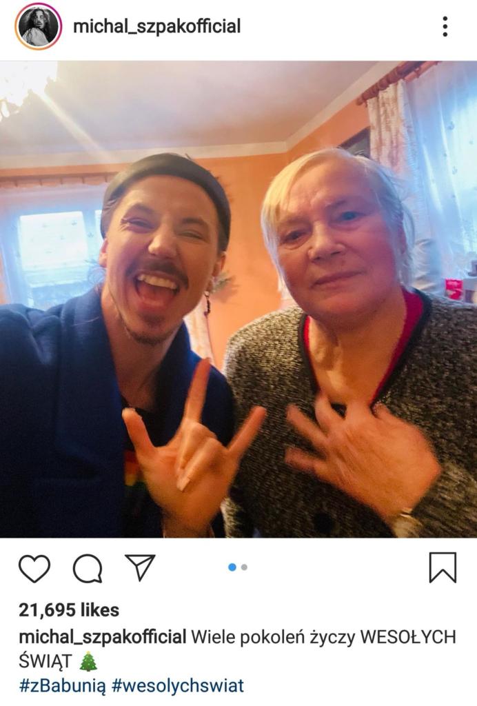 Juror The Voice of Polans Michał Szpak umieścił na swoim profilu Instagram zdjęcie na którym jest jego rodzina oraz babcia-kobieta która go wychowywała