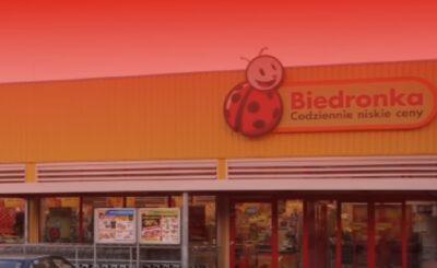 """W Biedronce można liczyć na atrakcyjne promocje. Teraz Dyskont """"Biedronka"""" wycofuje produkty marki Top Food ze sprzedaży, mówi o tym wyrok sądu"""