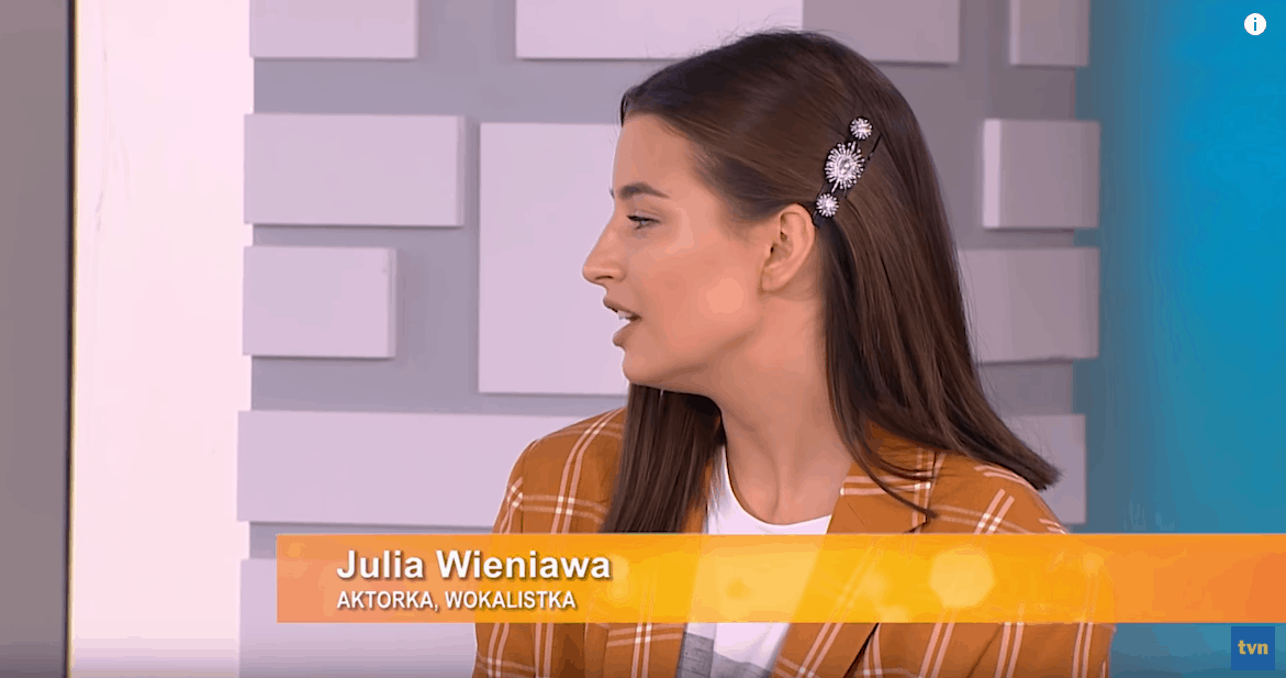 """Julia Wieniawa pokazała pośladki na Insta i rozbiła bank! Gwiazda seriali """"Zawsze warto"""" (Polsat) i """"Rodzinka pl"""" (TVP2) ma się czym pochwalić!"""