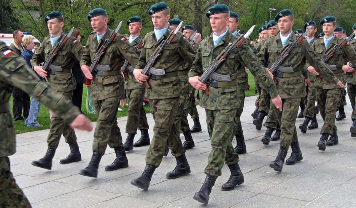 Polska - Irak, misja pokojowa, Polscy żołnierze nadal przebywają w Iraku. Wiceszef MSZ Paweł Jabłoński poinformował co dalej
