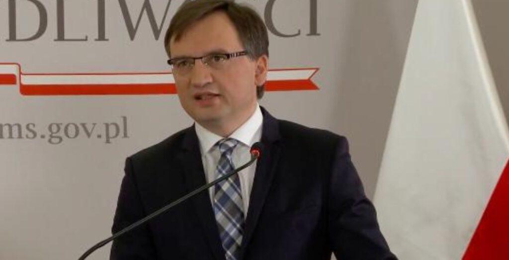 Zbigniew Ziobro postawił ultimatum UE. Stwierdził, że nie może być tak, że Unia Europejska i Komisja Europejska nierówno traktowały kraje członkowskie