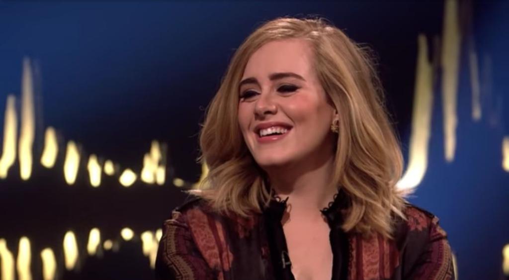 Adele bardzo schudła, a metamorfoza jest ogromna, na Instagram widać przemianę, nie wiadomo ile teraz waży, ale chudła 45 kg, jej piosenki słucha cały świat