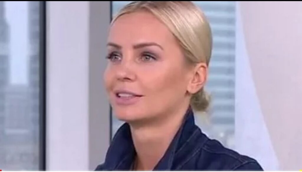 Agnieszka Woźniak-Starak to prezenterka TVN i była żona producenta,  którym był Piotr Woźniak-Starak. Agnieszka Woźniak-Starak na portalu Instagram...