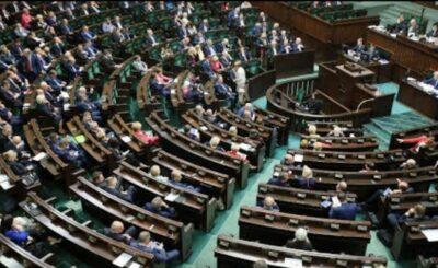 Koronawirus w Polsce: Jak Polacy oceniają działania rządu ws koronawirusa COVID-19? Te dane są miażdzące i na pewno nie spodobają sie opozycji