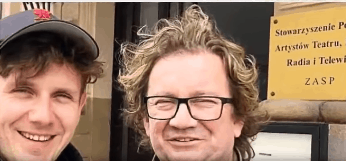 Stan zdrowia Pawła Królikowskiego jest zły, a tymczasem jego syn, Antek Królikowski, także martwi fanów, bo dodał na Insta nowe, jeżące włos, zdjęcie