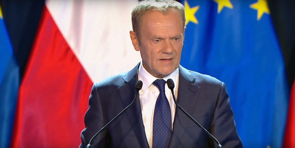 Donald Tusk, szef EPL wywołał skandal w UE słowami o Szkocji. Wypowiedź byłego szefa PO nie spodobała się szefowi brytyjskiego MSZ - Dominica Raaba.