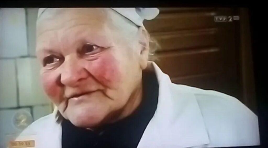Zenek Martyniuk i jego rodzina, a przede wszystkim mama przechodzą ciężkie chwilę,  Pani Teresa Martyniuk przeszła niedawno zawał serca.