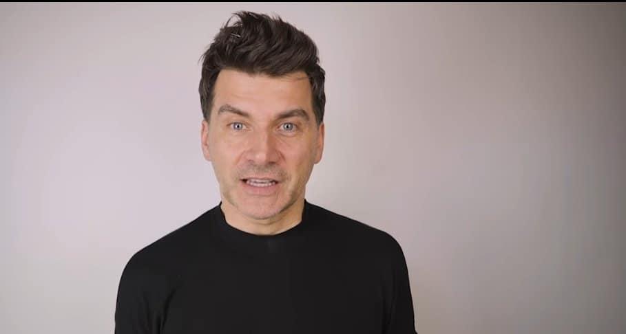 Tomasz Kammel to prowadzący The Voice of Poland w TVP, którego nowa partnerka poważnie namieszała w głowie, chce stworzyć własny rodzinny dom.
