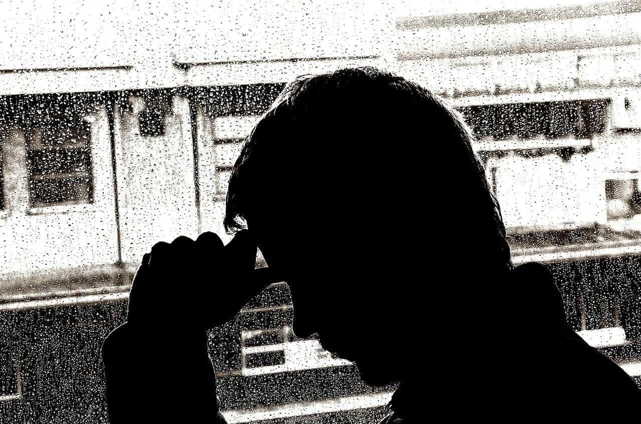 Mężczyzna chory na COVID-19 ostrzega innych, okazuje się bowiem, że gorączka i kaszel to nie jedyne objawy koronawirusa - wszystko opisał.