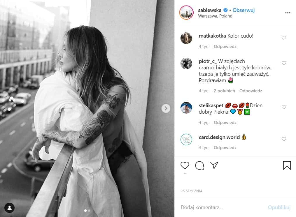Maja Sablewska, gwiazda TVN pokazała bardzo odważne zdjęcia na Insta, występuje topless przy okazji odsłaniając swoje tatuaże. Fani nie kryją zachwytu