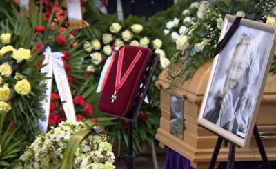 Pogrzeb Pawła Królikowskiego: minister kultury Piotr Gliński wypowiedział piękne słowa o Królikowskim, kto jeszcze był na pogrzebie? m.in. Andrzej Duda.