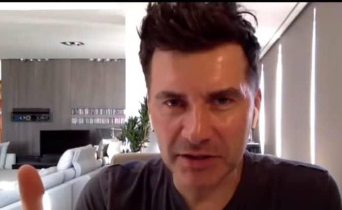 Tomasz Kammel (The Voice of Poland TVP) i jego nowa partnerka robią olbrzymią furorę wśród fanów popularnego prezentera telewizyjnego.