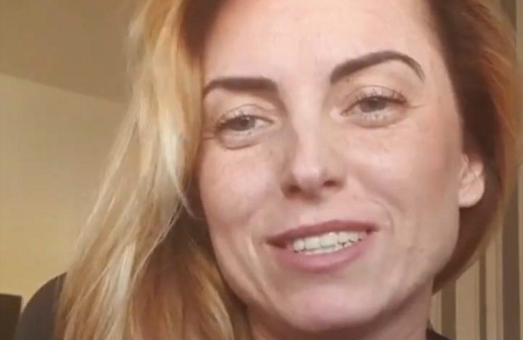 """Anna ze szóstej edycji programu """"Rolnik szuka żony"""" w TVP pokazała na portalu Instagram jak spędza kwarantanne z synem. Co razem robią?"""
