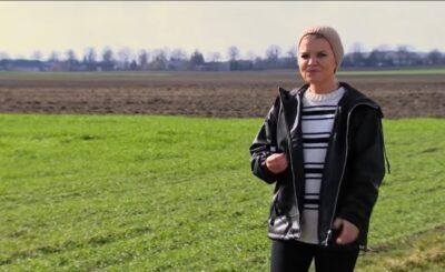 """Ciąża w show TVP: Aneta Fojcik to gwiazda 5 edycji programu """"Rolnik szuka żony"""" w TVP, gdzie prowadzącą jest Marta Manowska."""