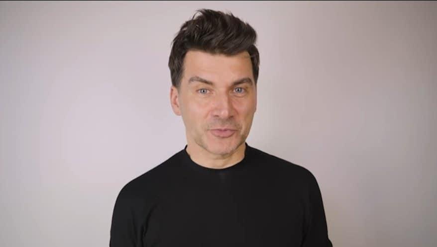 """Tomasz Kammel to dziś gwiazda TVP i prowadzący między innymi """"Pytanie na śniadanie"""" oraz """"The Voice of Poland"""", jednak mało kto wie jaka jest jego przeszłość"""