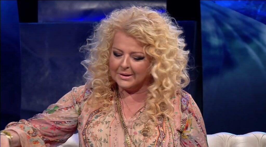 """Magda Gessler, gwiazda TVN i show Kuchenne Rewolucje jest jak """"narkotyk"""" - tak uważa córka restauratorki - Lara Gessler.  O  co chodzi?"""