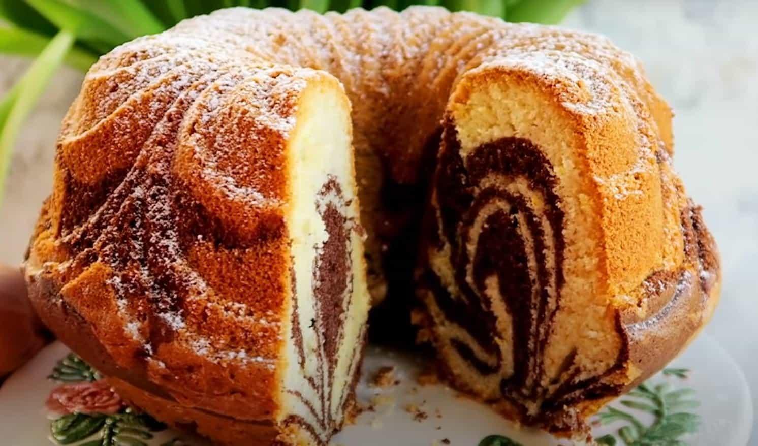 Szybka babka marmurkowa, która na stałe zagości na Twoim stole - mokra, pyszna i delikatna, przepis na szybkie ciasto. Sprawdź juz dziś