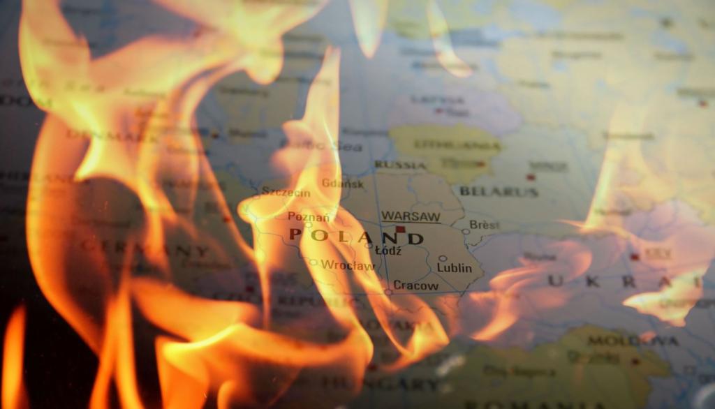 Płonie nasz skarb narodowy, Biebrzański Park Narodowy, pożar nie ustępuje, wszystkiemu winna susza, która już poczyniła szkody w Polsce