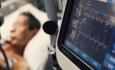 Koronawirus: Lekarzy zaskoczył nagły przebieg COVID-19, zapalenie płuc w niektórych przypadkach rozwinęło się bardzo gwałtownie, wystąpiła burza cytokinowa/ screen YouTube