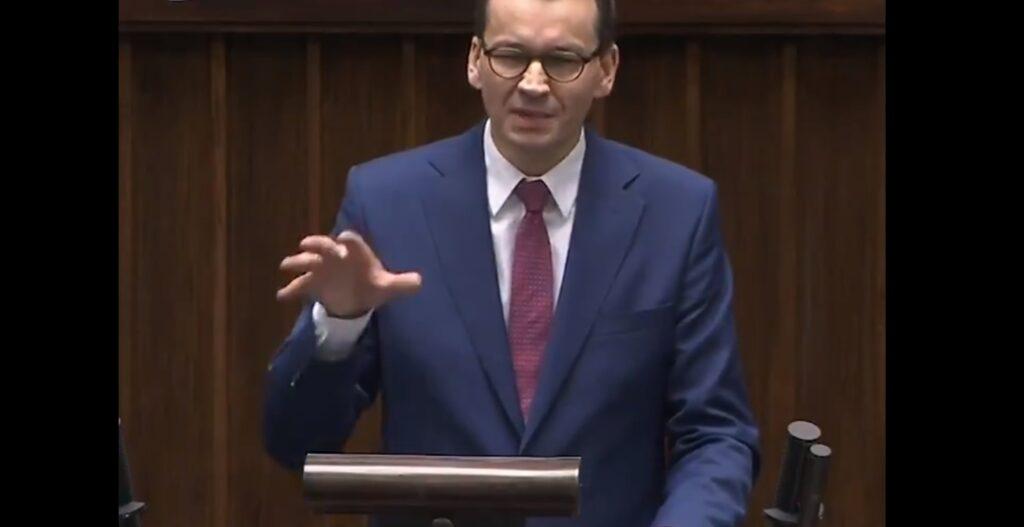 """Koronawirus w Polsce: Zapowiadano zniesienie niektórych obostrzeń w ramach tzw """"nowej normalności"""", zmieni się przemieszczanie oraz zakupy"""