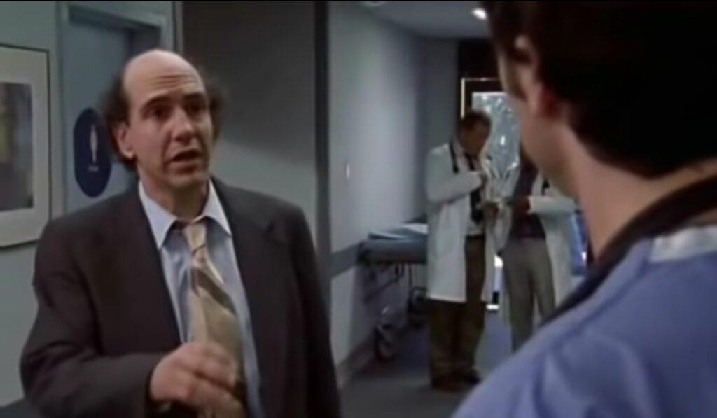 """Śmierć aktora wstrząsnęła wszystkimi, nie żyje Sam Lloyd, prawnik Ted z serialu komediowego """"Hoży doktorzy"""". Lekarze nie byli w stanie nic zrobić"""