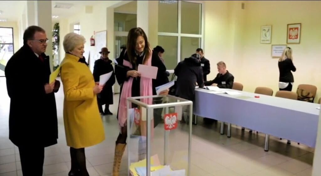 Wybory prezydenckie 2020: Termin wyborów prezydenckich ustalony na 10 maja weług PKW jest nierealny. Czy Pis zmieni datę głosowania i da wybór Polakom?