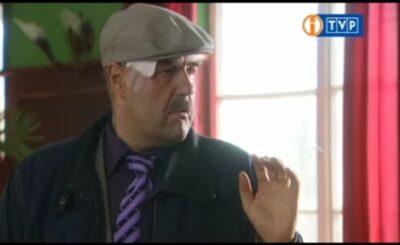 """Cezary Żak to gwiazdor serialu """"Ranczo"""" w TVP, który motyw ławeczki postanowił użyć do ośmieszenia polityków PiS, czemu aktor atakuje rząd?"""