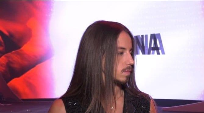 Michał Szpak to trener/juror The Voice of Poland w TVP, który wie co znaczy hejt. Piosenkarz wzmaga się z tym zjawiskiem od bardzo dawna.