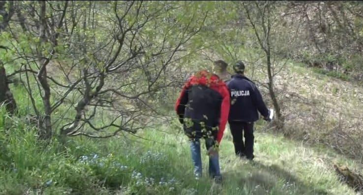 Makabryczne odkrycie we Wrocławiu, w rzece znaleziono zwłoki psa zawinięte w dywan, to było bestialskie i brutalne morderstwo, poszukiwani są świadkowie