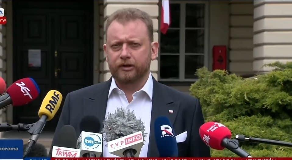 Minister zdrowia, Łukasz Szumowski odpowiedział w końcu na pytanie, które zadaje sobie wielu Polaków: Kiedy zdejmiemy maseczki?