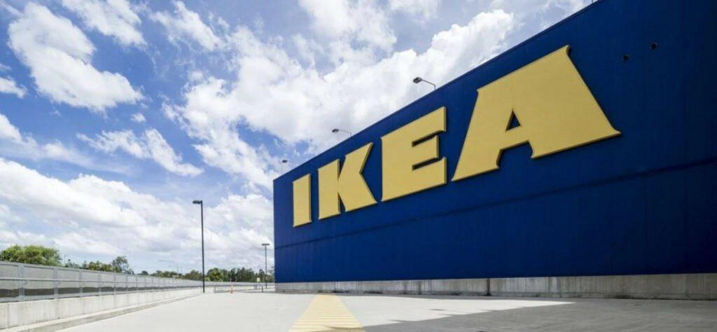 Przerażająca pomyłka w Ikea w Holandii, w dozowniku do dezynfekcji rąk znalazł się żrący środek do udrożniania rur, klienci poparzeni