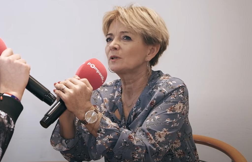 Iwona Mazurkiewicz i Gerard Makosz to uczestnicy programu TVP, Sanatorium Miłości, którego prowadzącą jest Marta Manowska, seniorzy mają ogłosić zaręczyny.