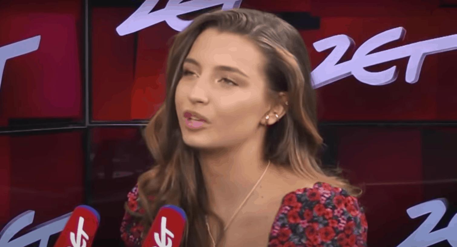 Julia Wieniawa w wyzwanie hot16challenge2 ostro wypowiedziała się na temat rządów PiS, złośliwi twierdzą że po tym straci pracę w TVP