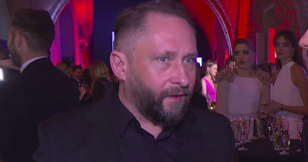 Piosenka Kazika narobia niezłego zamieszania, skandal w Radiowej Trójce odbija się szerokim echem, teraz do dyskusji dołączył Kamil Durczok