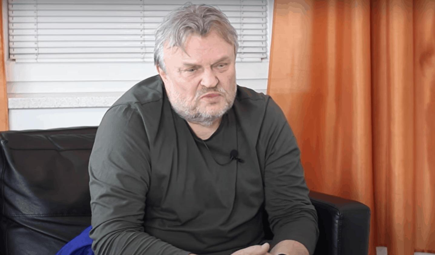 """Krzysztof Cugowski martwi się o syna, ze względu na koronawirus jego syn, """"Junior"""" został w Polsce, jednak planuje wracać do Wielkiej Brytanii"""