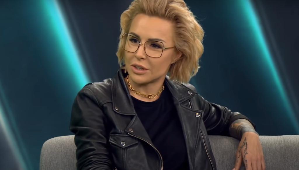 """Afera: Sylwester Latkowski twórca filmu """"Nic się nie stało"""" wywołał nazwiska znanych osób, wśród nich Blanka Lipińska - to manipulacja mówi ostro"""