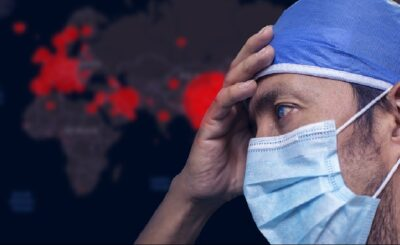Nakaz noszenia maseczek: W Polsce wciąż obowiązuje nakaz zasłaniania ust i nosa, lekarz wyjaśnia co się dzieje z płucami gdy nosimy maseczkę/ screen YouTube