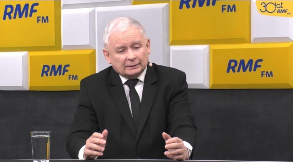 """Gwiazdor seriali """"W rytmie serca"""" oraz """"Na dobre i na złe - Mateusz Damięcki zażądał na Facebooku, aby Jarosław Kaczyński go przeprosił."""