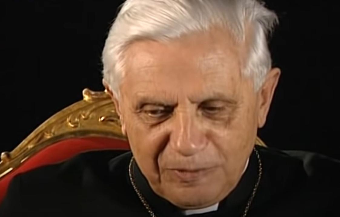 Emerytowany papież Benedykt XVI, mimo bardzo złego stanu zdrowia, zdecydował się na podróż do Niemiec, pierwszy raz od 2013 roku.