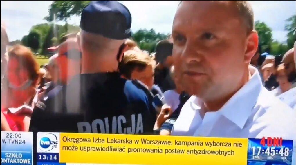 Wybory prezydenckie 2020: Andrzej Duda podczas swojej trasy wyborczej napotkał na dziennikarzy komercyjnej stacji TVN. Reakcja była bezpośrednia.