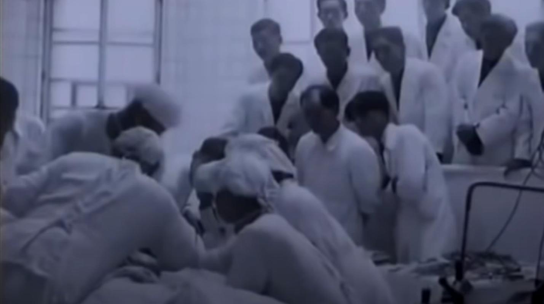 Jednostka 731, to tam prowadzone były makabryczne japońskie eksperymenty na ludziach. Jest to jedna z najczarniejszych kart historii ludzkości.