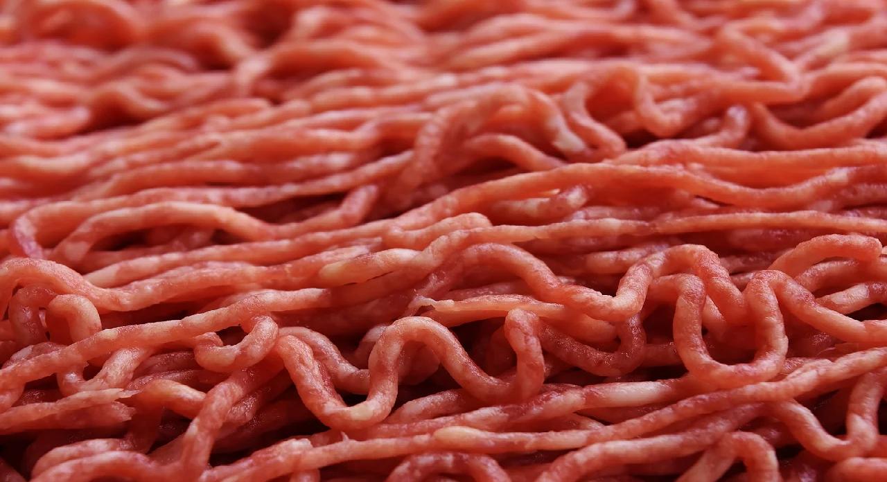Porady kulinarne: Wołowina, wieprzowina, czy drób, jakie mięso mielone kupować? Odpowiedź na to pytanie znajdziecie w artykule poniżej.